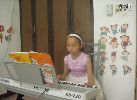 《同桌的你》麻长悦电子琴2014年6月6日图片