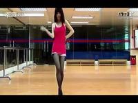 性感激情丝袜短裙诱惑美女热舞自拍紧身黑丝女王
